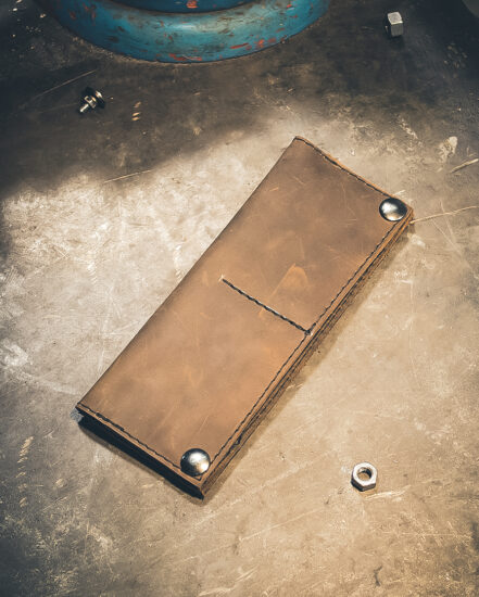 longwallet-darkbrown-nickel-closed-f